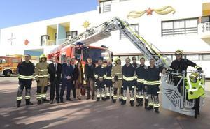 Bomberos de Torremolinos estrena un vehículo escala