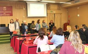 Antequera pone en común las experiencias de las Lanzaderas de Empleo de Málaga y Granada