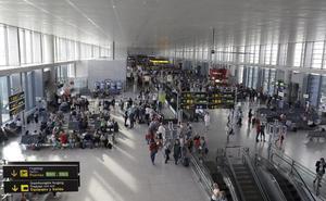 El aeropuerto registra en noviembre la mayor subida de pasajeros de todo el año