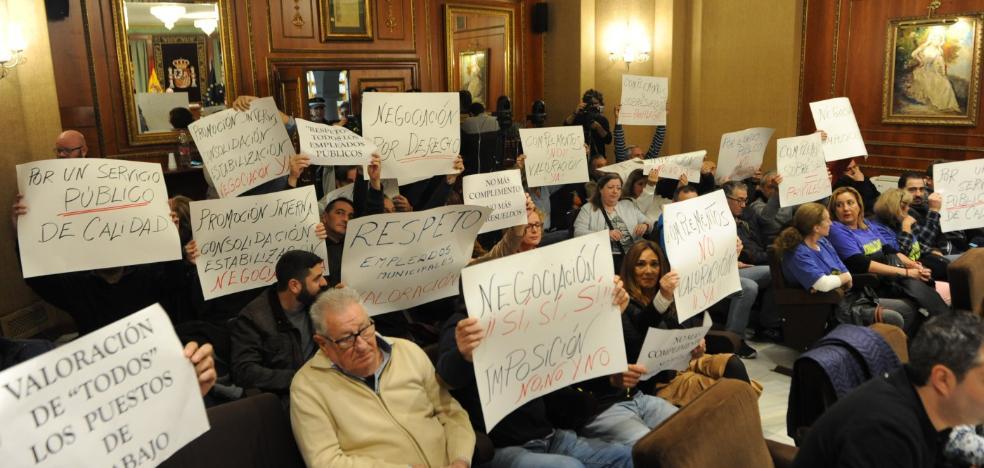 El Ayuntamiento hará una valoración de puestos de trabajo para acabar con la polémica por los pluses