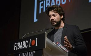Álvaro Morte, Premio de Honor FIBABC por su célebre personaje de 'La Casa de Papel'