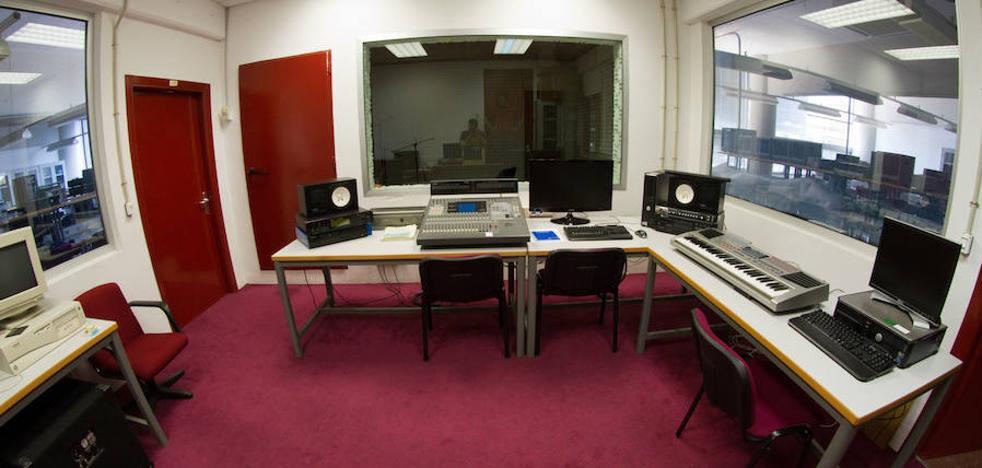 Telecomunicación acerca a los alumnos los secretos de la producción musical