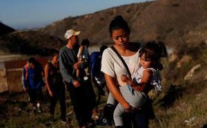 Muere una niña migrante de 7 años deshidratada bajo la custodia de EE UU