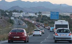 Un semáforo dará prioridad a la entrada de trabajadores al PTA de Málaga desde la autovía