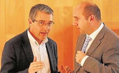 Las cuentas de la Diputación de Málaga se cuelan en la negociación para la Junta