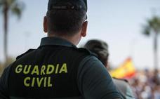 Rescatan a un vecino de 78 años de Nerja con hipotermia tras sufrir un accidente de tráfico en Sierra Nevada