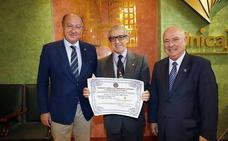 Braulio Medel, nombrado académico de honor de la Institución Carlomagno