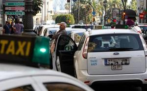 Taxistas malagueños llevarán a ancianos de las Hermanitas de los Pobres a conocer el alumbrado