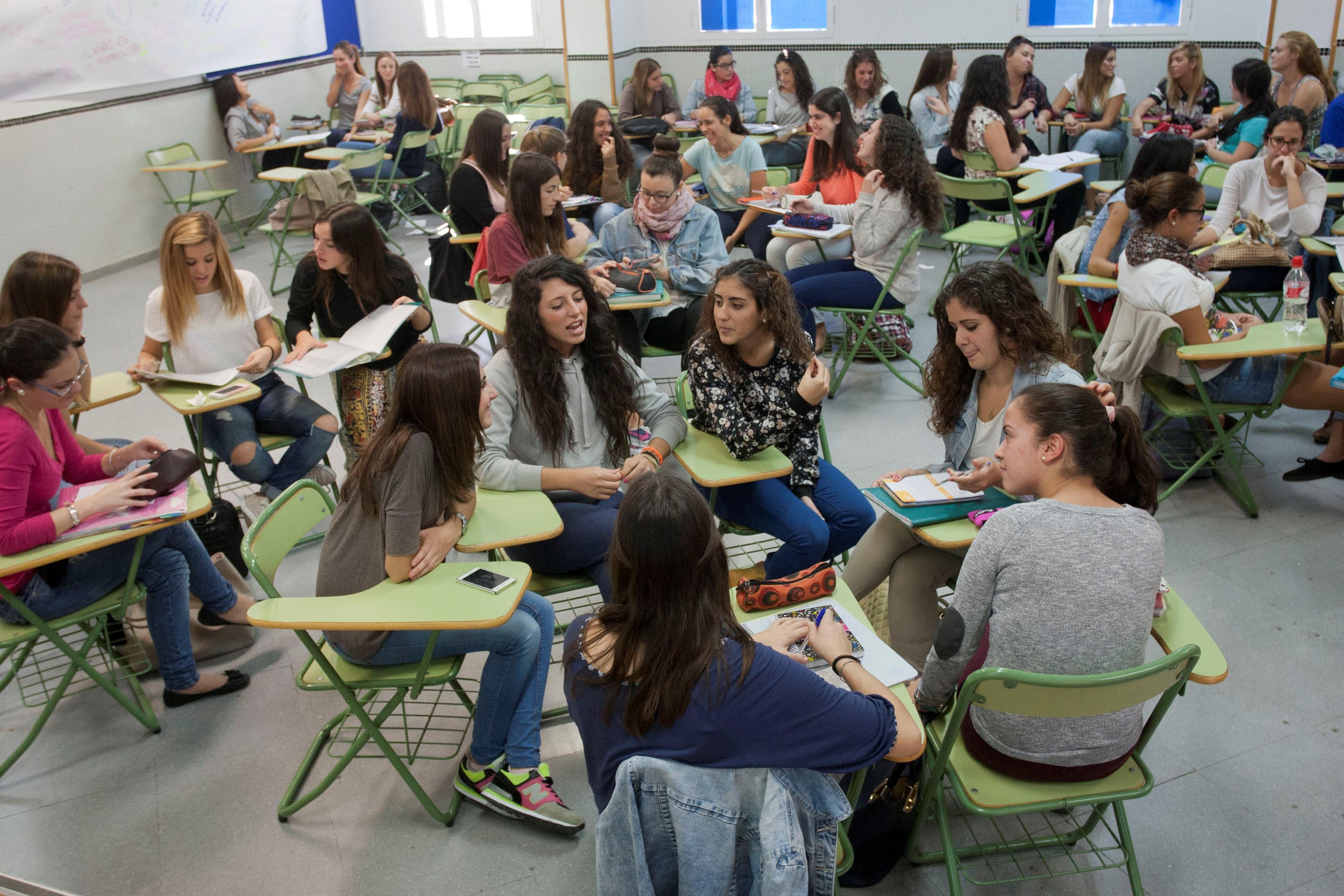 Ciencias de la Educación de la UMA considera que faltan más maestros, escuelas y medios para una formación de calidad