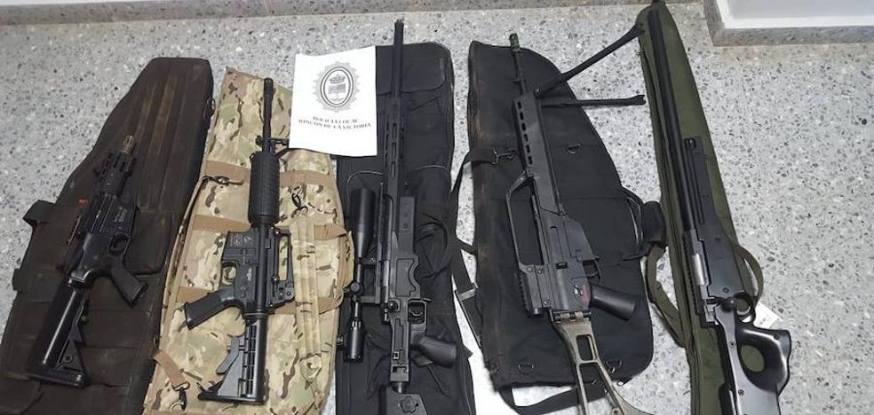 La Policía Local de Rincón de la Victoria interviene cinco réplicas de fusiles de asalto a un grupo que manifestó estar jugando a tácticas de guerrilla