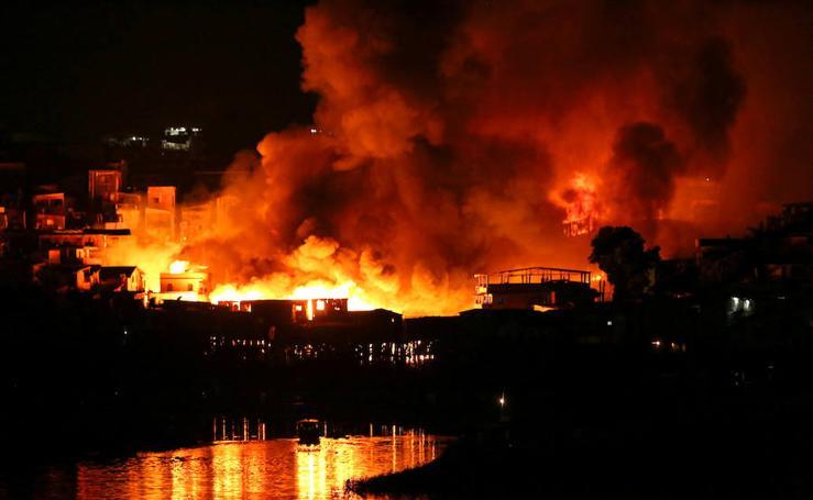 El incendio en Manaos, en imágenes