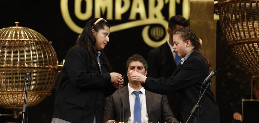 AIOM reparte 100.000 euros en Málaga con una pedrea