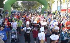 Casi 700 personas disfrutan de la IV San Silvestre Solidaria de Torremolinos