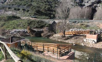 Tramitan la instalación de otro puente de acceso a la Cueva del Gato