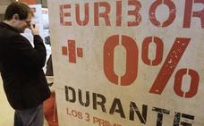 El euríbor consuma su amenaza al subir al -0,12%