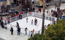 Coín despide la Navidad patinando sobre hielo