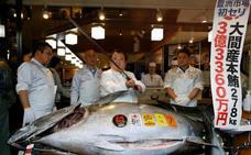 Un atún de 275 kilos, vendido en Tokio por un récord de 2,7 millones