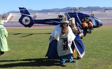 Fotos de la llegada de Melchor, Gaspar y Baltasar a Ronda en helicóptero