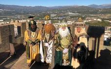 Los Reyes Magos llevan la ilusión a toda la Axarquía