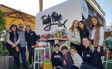 Tasty Poke entrega juguetes a Biberódromo