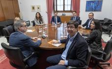 PP y Cs ultiman el futuro gobierno a la espera de que se confirme la investidura de Juanma Moreno