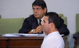 Condenado por matar a su mujer en 2004, en su quinto permiso se dio a la fuga
