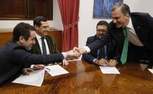Los 37 puntos del acuerdo entre Vox y PP para apoyar la investidura de Juanma Moreno como presidente de la Junta de Andalucía