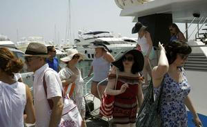 La Costa del Sol mostrará su oferta en el catálogo de verano del operador TUI