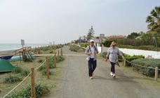Rincón de la Victoria elige el modelo de paseo marítimo ecológico sin hormigón para Torre de Benagalbón