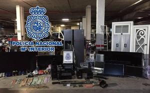 Detenidas 86 personas de una banda que estafaba a comercios y financieras de Málaga aportando nóminas falsas