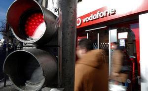 Vodafone despedirá a uno de cada cuatro empleados por la guerra de precios en las 'telecos'Ford eliminará miles de empleos en la UE