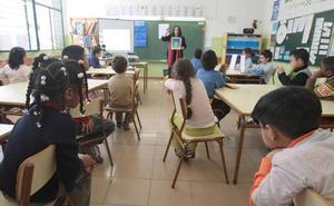 Niños extranjeros de 6 y 7 años y de Bachillerato se quedan sin apoyo en español