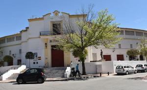 Los antitaurinos se manifiestan hoy contra la vuelta de los toros a Marbella con el aval de 85.000 firmas