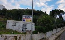 Muere el presidente de una comunidad de vecinos mientras podaba un árbol en Alhaurín el Grande