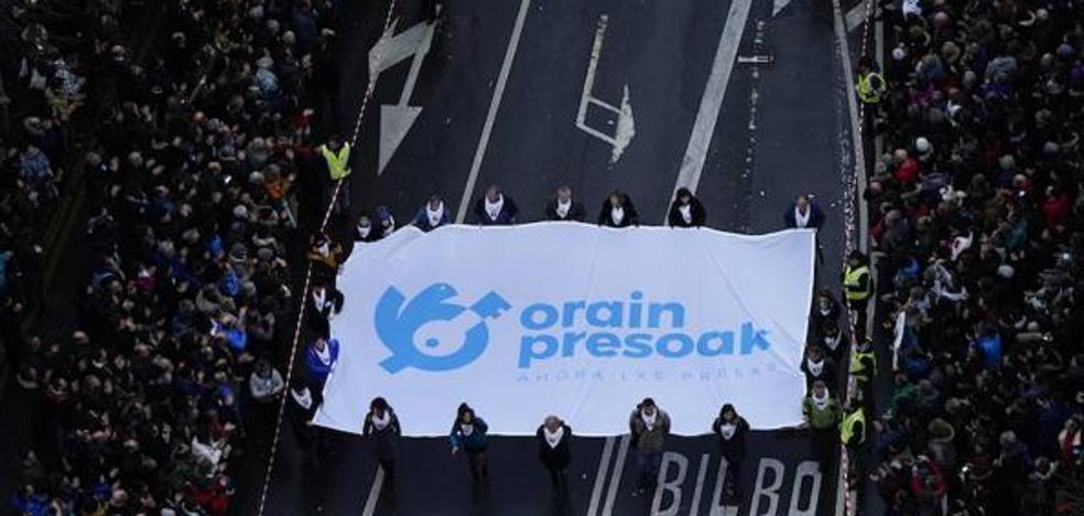 70.000 personas reclaman en Bilbao una nueva política penitenciaria