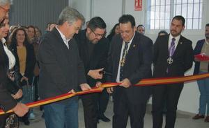 Las Hermandades estrenan su nueva sede en los bajos del colegio Víctor de la Serna