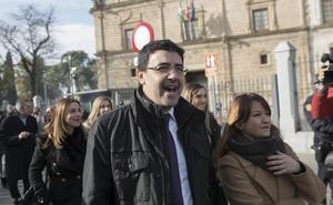 El PSOE-A califica de «flojo» el discurso de Moreno y le reprocha su «actitud rencorosa»