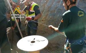 La Guardia Civil reconstruye los pasos de Julen antes de su rescate en el pozo