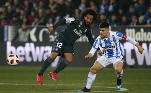 El Madrid pierde por la mínima al descanso