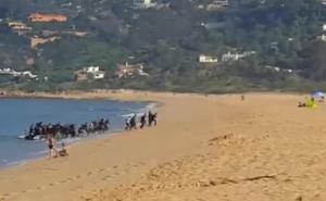 Seis detenidos por introducir migrantes en Cádiz desde Marruecos y trasladarlos a Málaga y Almería