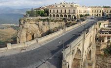 Multarán con 70 euros la circulación por el Puente en horario restringido