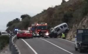 Un muerto y dos heridos grave en un accidente de tráfico en Alhaurín de la Torre