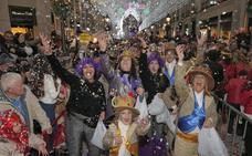 Cinco mil personas disfrazadas podrán viajar gratis en autobuses de la EMT el último sábado del Carnaval de Málaga