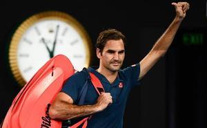 Federer cae en Australia y anuncia que jugará en tierra