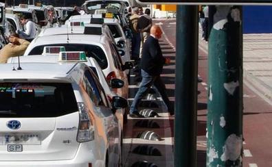 Los taxistas de la Costa fuerzan una reunión con la Junta antes de unirse a la huelga