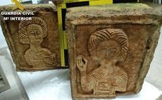 Recuperados en Londres dos relieves visigodos del siglo VII que fueron robados en Burgos