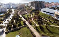 Estepona inicia la obra del mayor tobogán urbano de España dentro de la ampliación del Parque de Los Niños