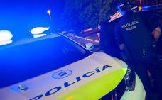 Dos detenidos en Málaga tras una espectacular persecución en la que un coche patrulla acabó circulando con tres ruedas