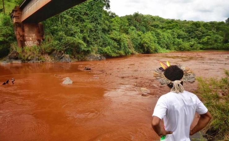 Las imágenes del desastre tras la rotura de una presa en Brasil