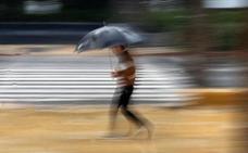 El temporal deja bajos inundados y numerosos accidentes de tráfico en Málaga